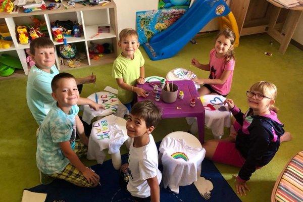 Zaujať detskú pozornosť je hotové umenie. Na skvelých lektorov v Brainy JAM sa vaše deti budú naozaj tešiť.