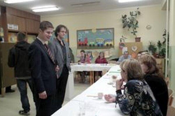 Obvodná volebná komisia postupne navštevovala všetky okrsky.