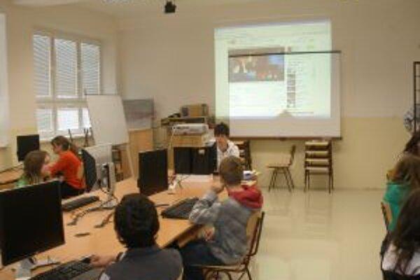 V rámci projektu zariadili v Záklednej škole v Rybanoch aj počítačové učebne.