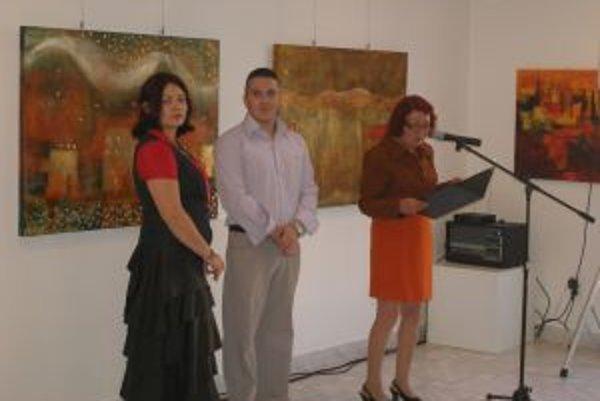 Stanislav Bajer a Zuzana Vatrtová sa prvýkrát stretli na vernisáži svojich diel.