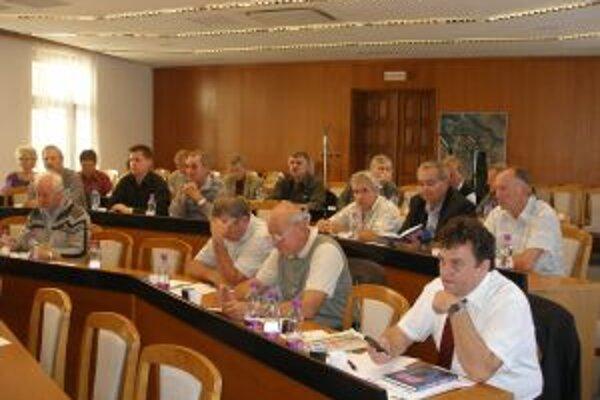 Z 50 starostov TIR prišlo na valné zhromaždenie 30.
