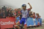 Thibaut Pinot sa raduje z víťazstva v 15. etape na Vuelta a Espaňa 2018.