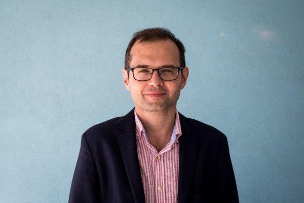Kacper Rekawek, analytik Globsec Policy Institute, ktorý sa špcializuje na hrozbu terorizmu. Má titul PhD z Queen's University Belfast a vyučoval na Varšavskej univerzite v Poľsku.