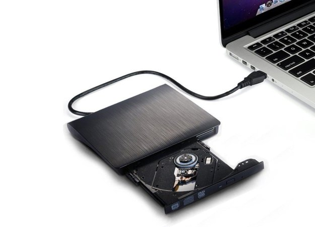 Optickú mechaniku v notebooku nahradí jej externá verzia.