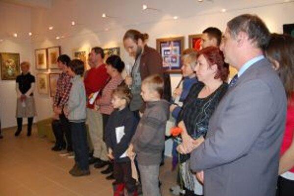 Prezentovalo sa niekoľko desiatok výtvarníkov.