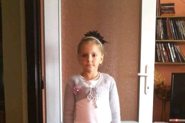 Nina Chuchelová z Dubnice nad Váhom dostala bežnú brušnú chrípku. Stálo ju to však život. Nemala ani sedem rokov.