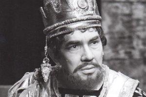 Vo Verdiho Nabuccovi v roku 1988.