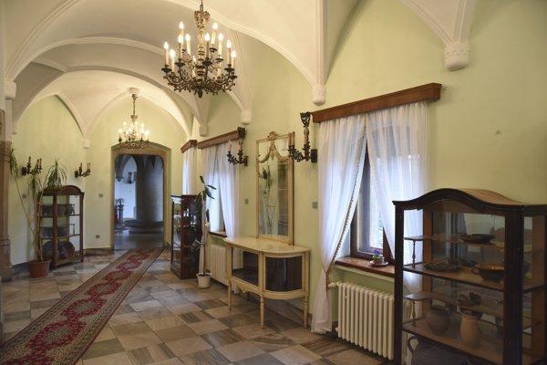 Smolenický zámok spravuje Slovenská akadémia vied.