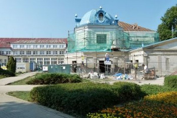 Po rekonštrukcií vznikne päť hviezdičkový hotel.