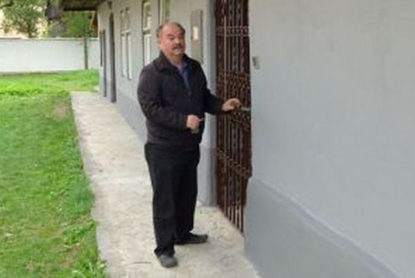 Vladimír Pĺžik v rodnom dome Ď. Langsfelda.