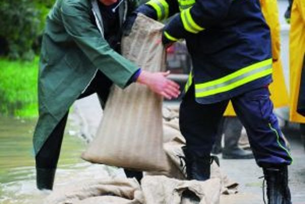 Mestský hasičský zbor sa počas povodní ukázal v tom najlepšom svetle.