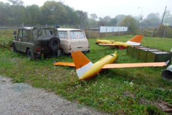 Za pár stoviek môžete vlastniť nefunkčnú sanitku či lietadielko.