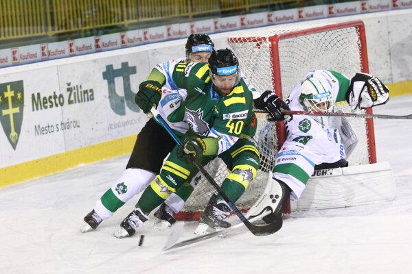 Jakub Ručkay (v zelenom) tentoraz vyšiel gólovo naprázdno.