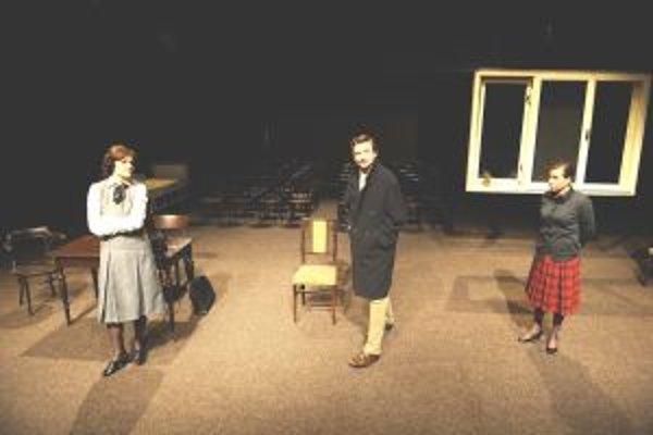 Sedem dní do pohrebu - Jana Oľhová, Dano Heriban a Lucia Jašková v ocenenom predstavení.
