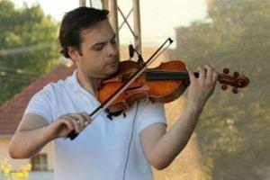 Dalibor Karvay sa pripravuje na koncert v Košťanoch.