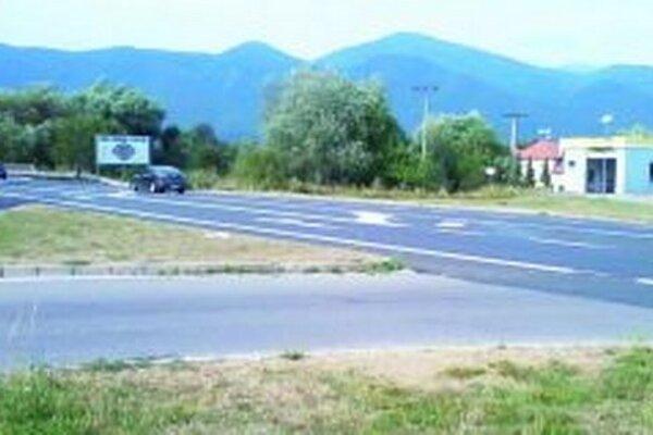 Na hlavnej ceste vyznačili nový pripájací pruh.