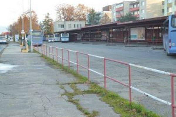 Autobusovú stanicu v Martine radnica síce čiastočne opravuje, ale veľkú rekonštrukciu neplánuje.
