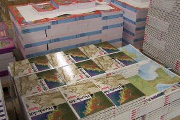 Mapy pripravené na odbyt z novej knihárne.