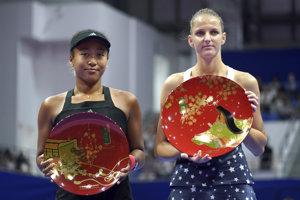 Karolína Plíšková (vpravo) a Naomi Osaková.