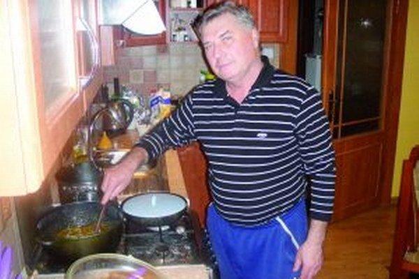 Bohuslav Figura vie nielen dobre spievať, ale aj variť.