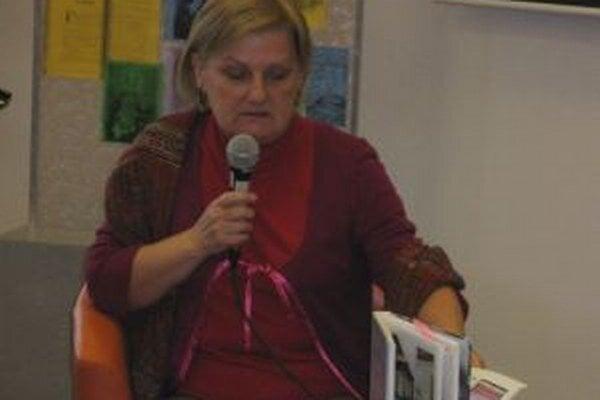 Zora Mintalová Zubercová na besede v Turčianskej knižnici.