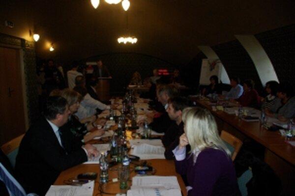 Poslanci schválili nové VZN pre daň z nehnuteľnosti.