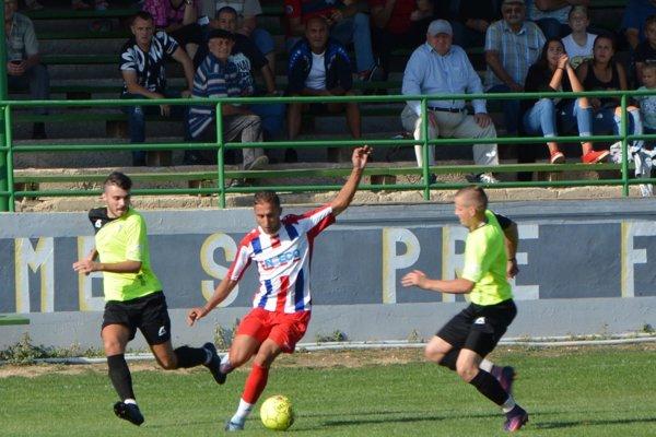 Po domácej prehre triumfovali Jacovce v Ivanke pri Nitre.