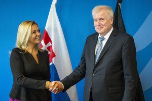 Ministerka vnútra SR Denisa Saková a nemecký spolkový minister vnútra Horst Seehofer.