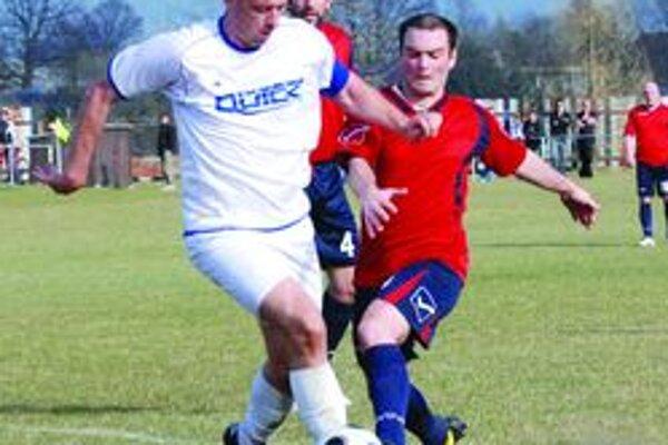Ľubomír Hromada (v bielom) strelil Vrútočanom dva góly.