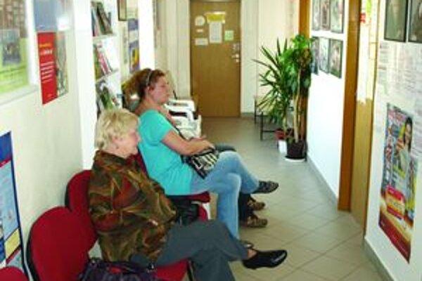 Nepredĺženie zmluvy s poisťovňou u jedného špecialistu môže znamenať preplnenie čakárne u iného špecialistu.