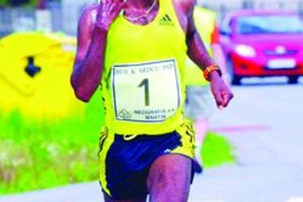 Ashenafi Erkolo. Etiópčan sa bude pokúšať v Turci o tretí triumf za sebou.