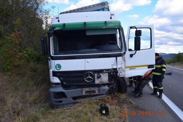 Nehoda pri Jablonove nad Turňou. ZDROJ: KR PZ Košice