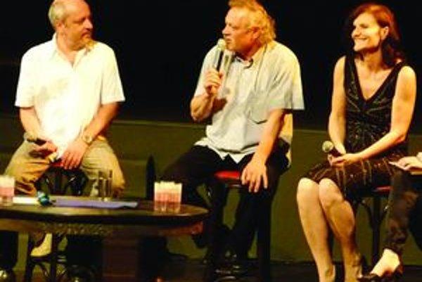 Matej Landl v spoločnosti Jany Oľhovej a Mariána Geišberga na programe Osobnosti - tu sme začínali v martinskom Strojári.