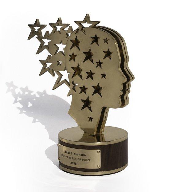 Ocenenie pre Učiteľa Slovenska pochádza z dielne Tomáša Brichtu.