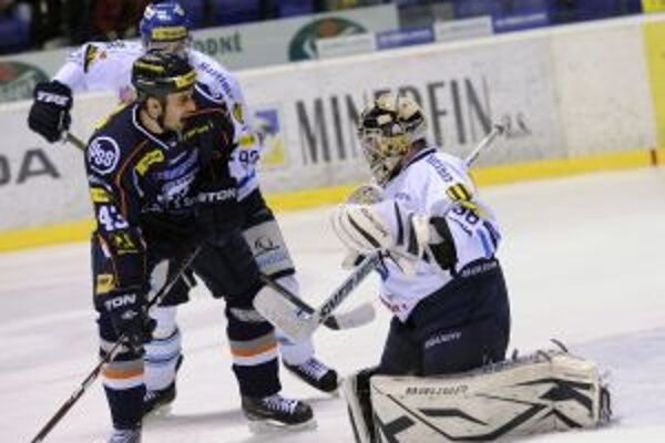 Proti Martinčanom nastúpil aj odchovanec martinského hokeja Peter Bartoš.