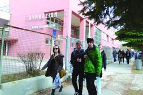 Gymnazisti. V Turci je ich vraj priveľa. Odborné školy pritom tiež potrebujú šikovných žiakov.