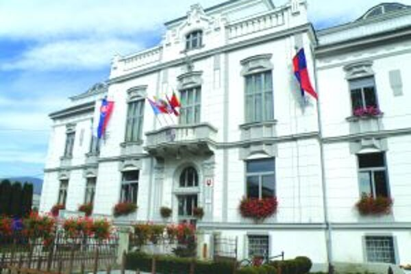 Starú klasiku z minulých rokov a v rovnakom objeme peňazí zopakujú pri výzdobe mestá Martin i Vrútky.