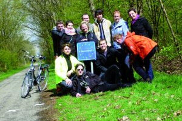 Účastníci výmenného pobytu sa zväčnili na hranici medzi Belgickom a Holandskom.