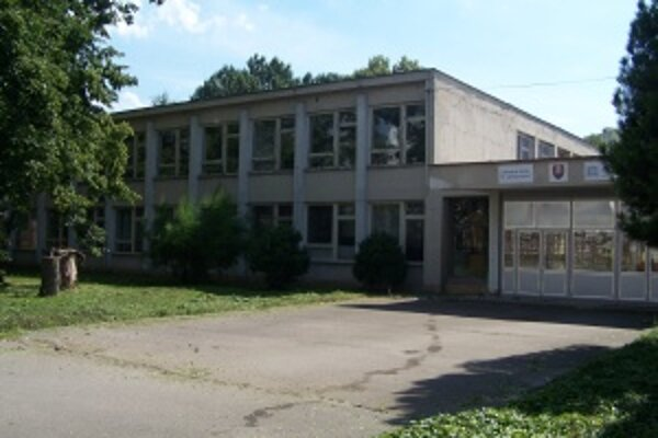 Školu na Jahodníckej ulici by mali zrekonštruovať za 846 444 €.