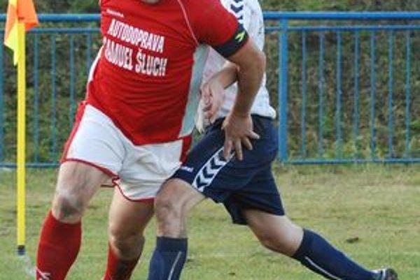 Braňo Vácha premenil v závere zápasu na Bystričke jedenástku.