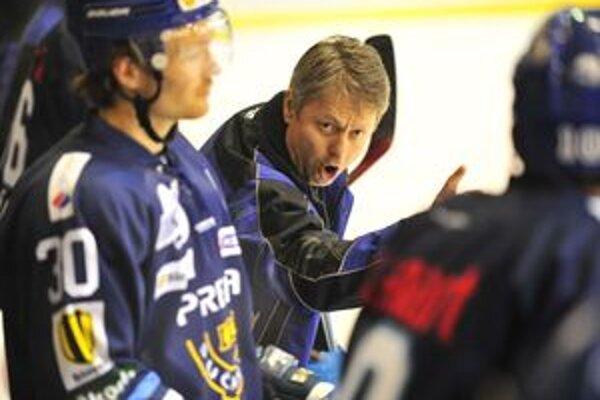 Čo vymyslieť. Martinčania sa trápia v početných výhodách. Vie to aj tréner Dušan Gregor.