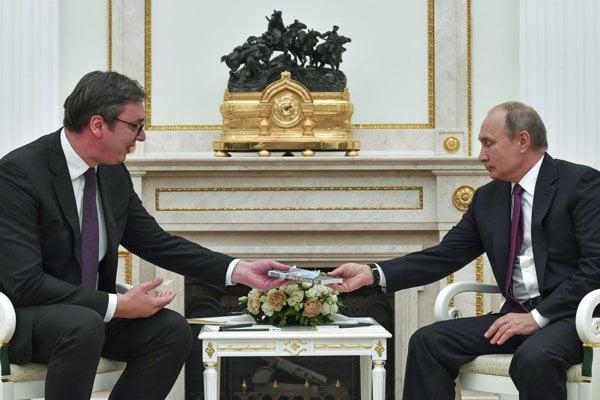 Ruský prezident Vladimir Putin sa v Kremli stretol so svojím srbským náprotivkom Aleksandarom Vučičom.