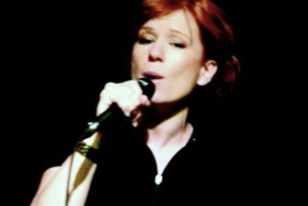 Helena Krajčiová. V posledných týždňoch koncertovala v Martine dvakrát – na Dňoch mesta Martina a na festivale Dotyky a Spojenia.