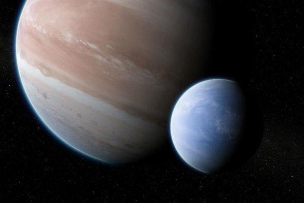 Umelecká predstava exoplanéty Kepler-1625B s jej plynným mesiacom, ktorý by mohol byť veľký ako Neptún.
