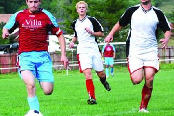 V minulom ročníku v ankete o najlepšieho futbalistu TFZ získal najviac hlasov  Michal Kempný (vľavo).