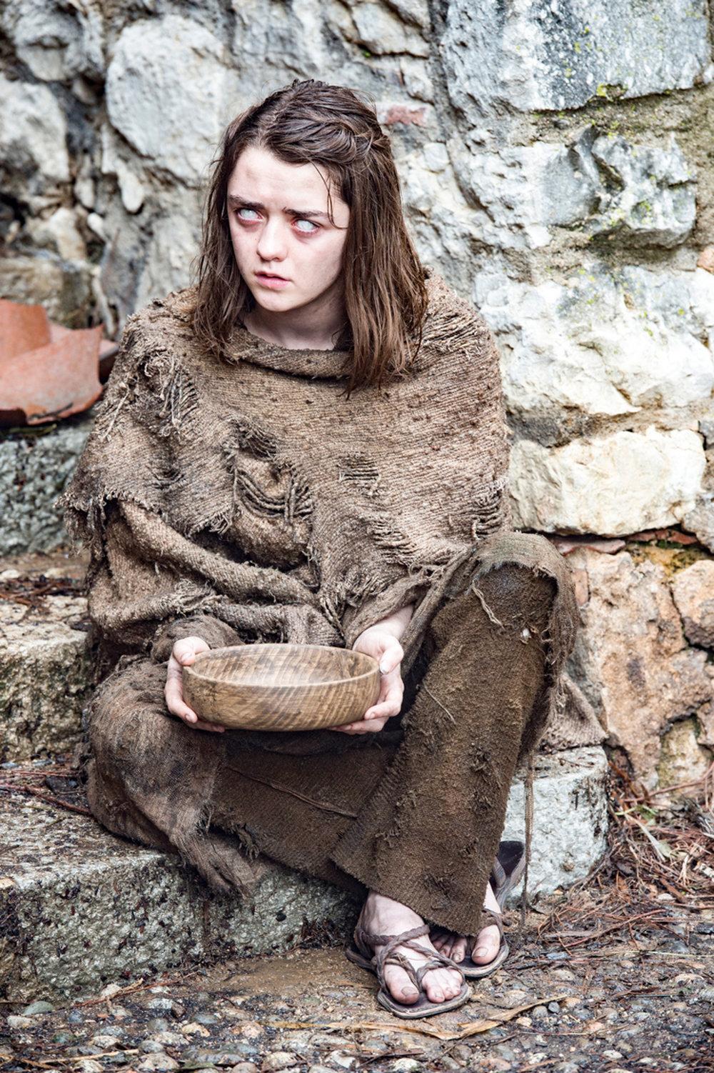 Maise Williams ako Arya Stark. Bude slepá?