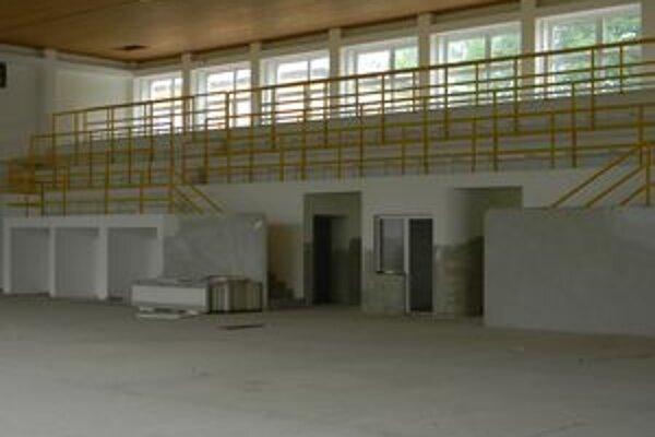 V telocvični potrebujú dorobiť najmä podlahu a chýba jej aj vybavenie.