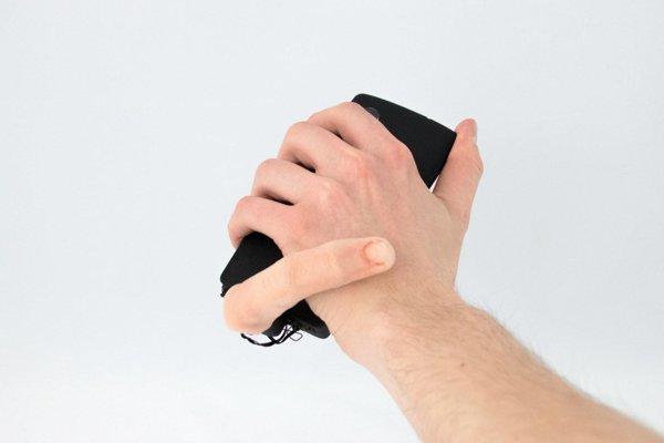 MobiLimb je doplnok pre smartfóny, ktorý dokáže meniť tvar, pohybovať zariadením a dávať používateľovi dotykové upozornenia.