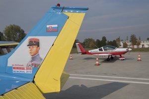 Lietadlá po pristátí v Bratislave.
