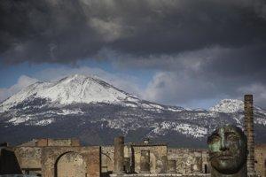V okolí sopky Vezuv v súčasnosti žijú viac ako tri milióny ľudí.
